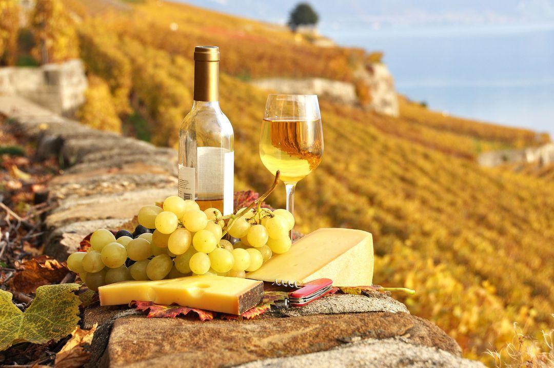 Белое вино фото 2